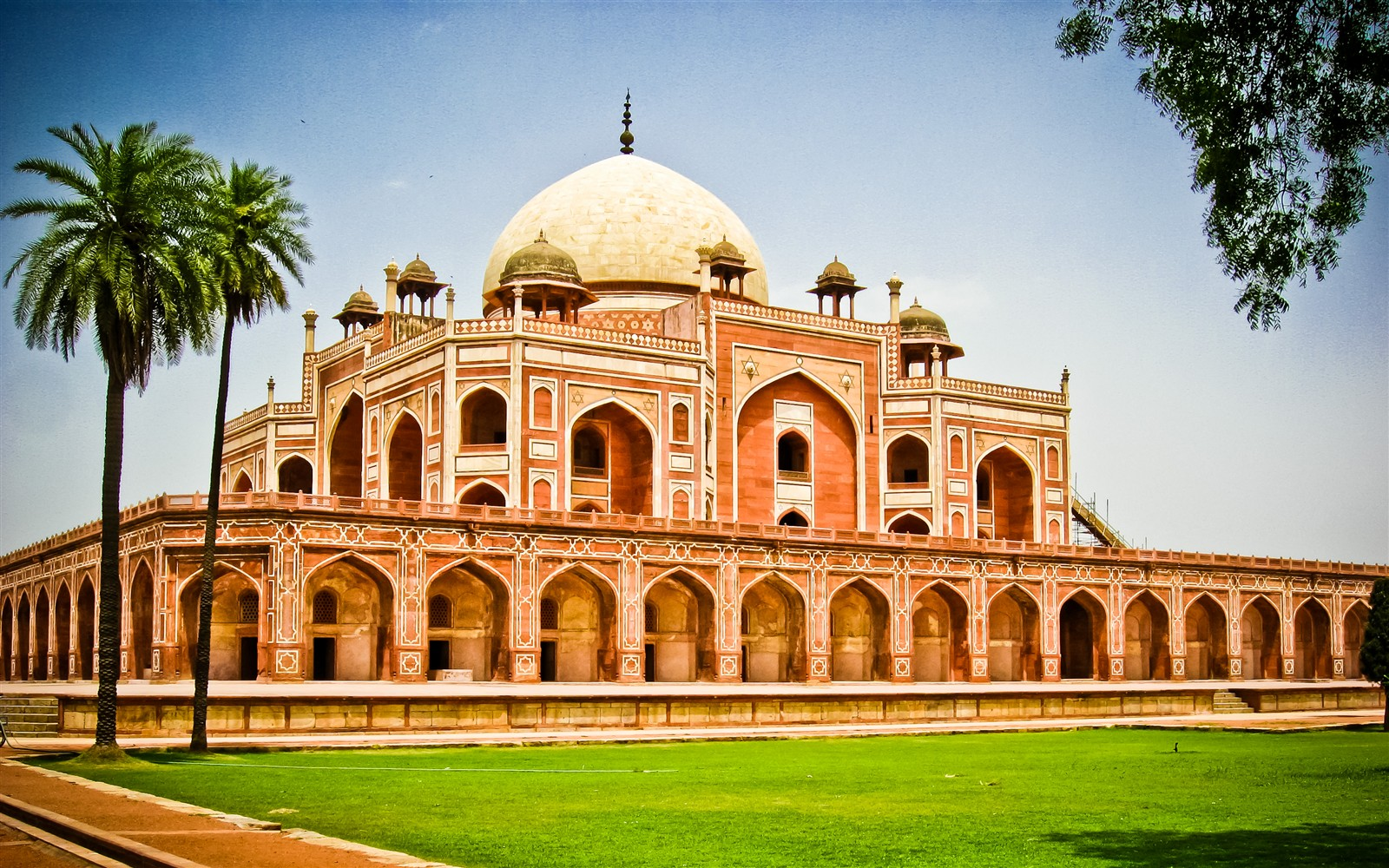 Historical-Monuments-in-Delhi