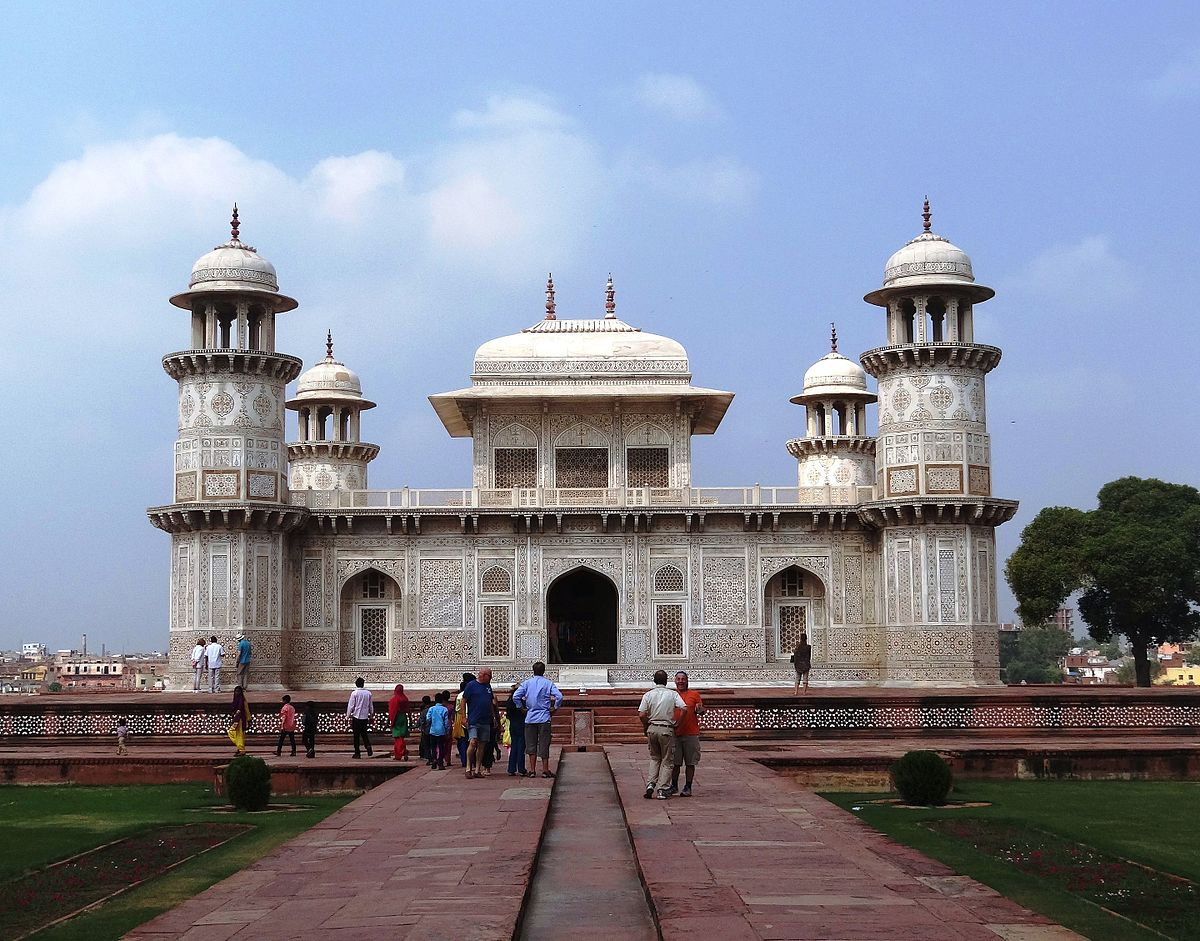 Historical Places in Agra